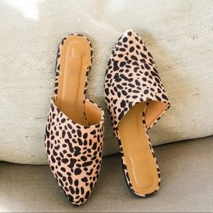5⭐️TAN LEOPARD SUEDE MULES SHOES SLIP-ON